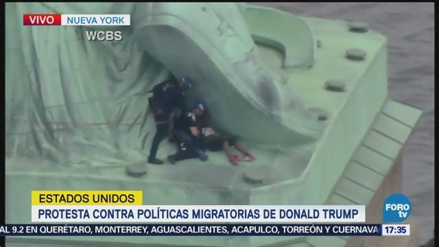 Policías Capturan Mujer Protestaba Estatua Libertad