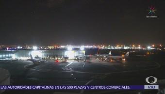 Problema en tren de aterrizaje obliga a avión a regresar al AICM