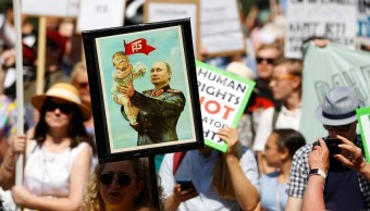 Protestan en Finlandia contra cumbre Trump-Putin