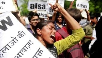 Joven denuncia haber violada profesor y compañeros India