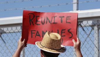 EU reunirá a 54 niños migrantes con sus padres
