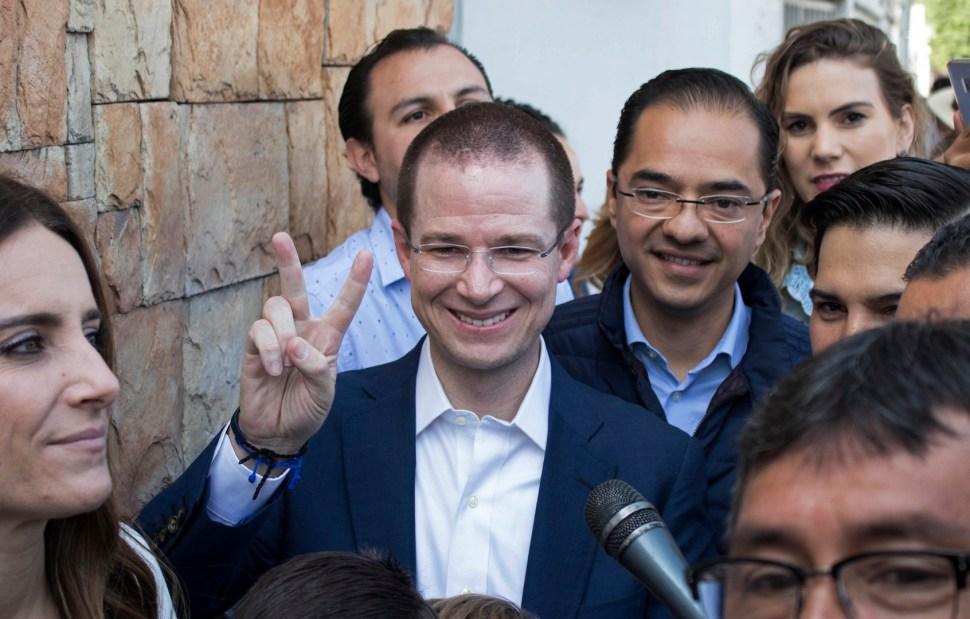 Ricardo Anaya vota en Querétaro y se traslada a la CDMX