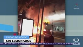 Se incendia unidad del Metrobús de la CDMX en la estación Durango