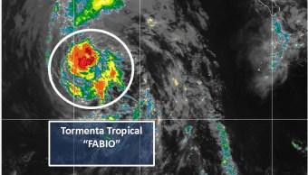 Huracán 'Fabio' se degrada a tormenta tropical