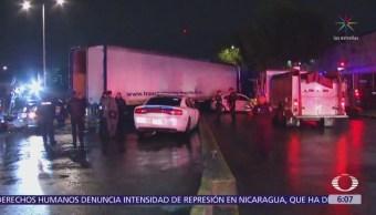 Tráiler arrolla 14 vehículos en el Circuito Interior, CDMX