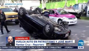 Vuelca auto particular en Patriotismo y José Martí, CDMX