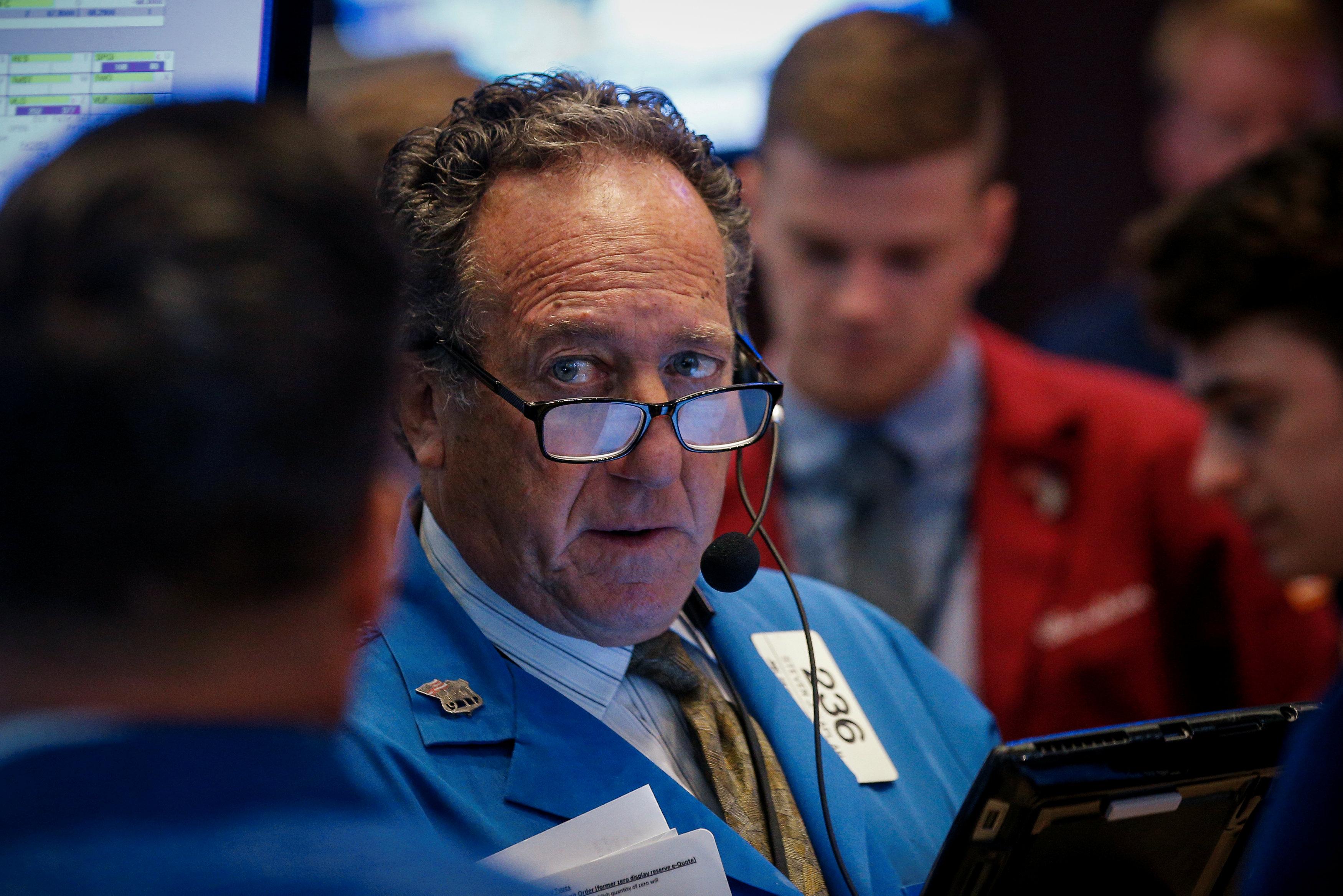 Wall Street cerró la jornada con pérdidas presionado por tecnológicas
