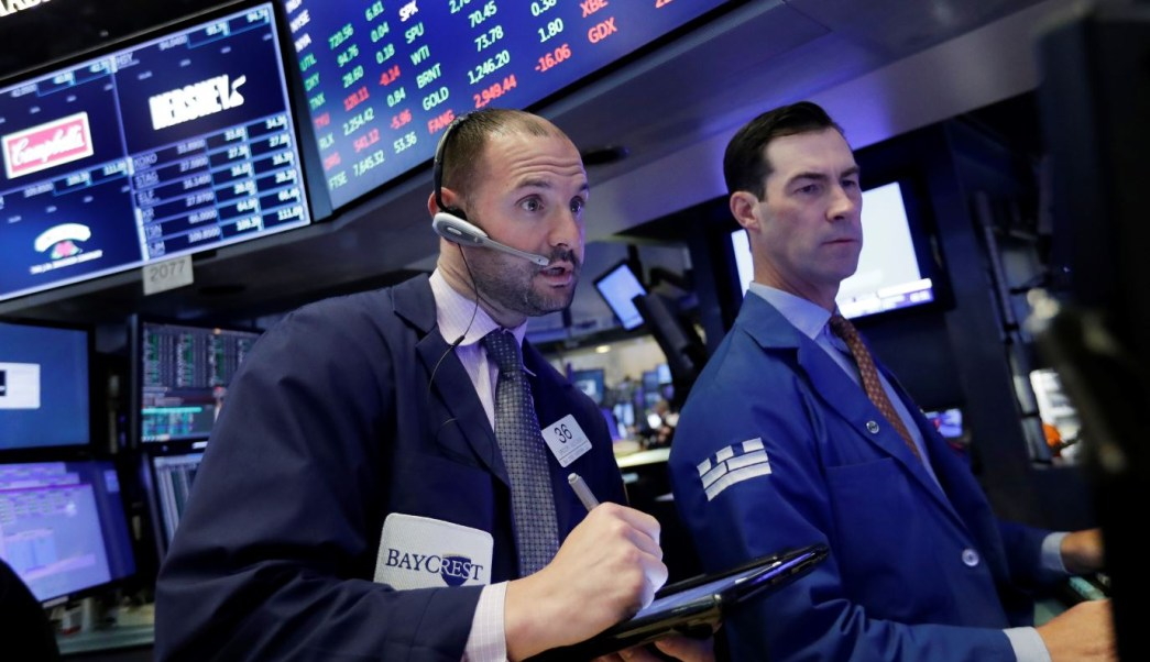 Wall Street avanza estable ante reportes dispares de bancos