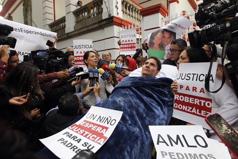 Piden justicia a AMLO por ataque a hombre cuadripléjico