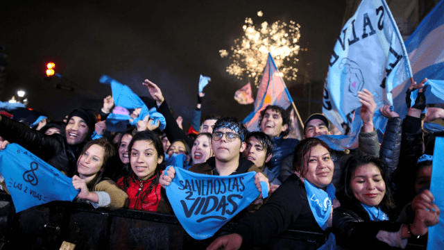 Debate sobre aborto va a continuar, dice Macri