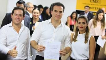 Entregan constancias a alcaldes electos del PRI en Monterrey y Guadalupe, NL