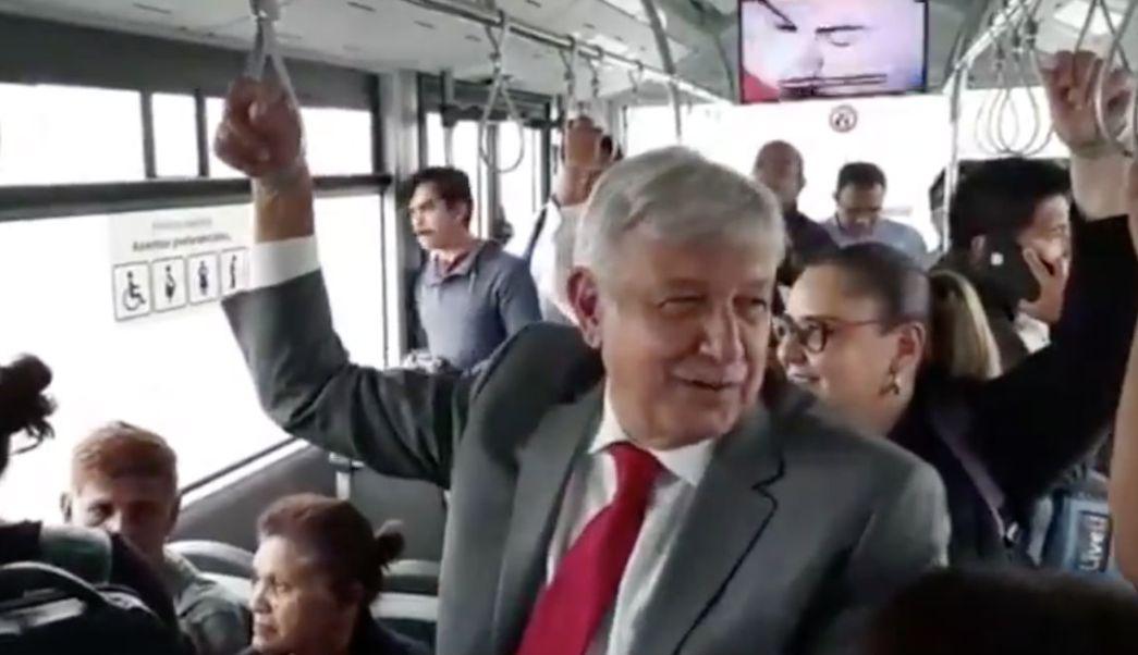 Transporte-Público-Aeropuerto-Camión-AMLO