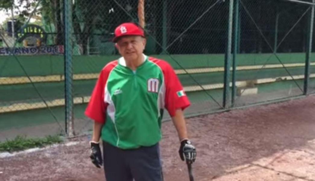 'Me escape, un ratito, para practicar beisbol', dice AMLO