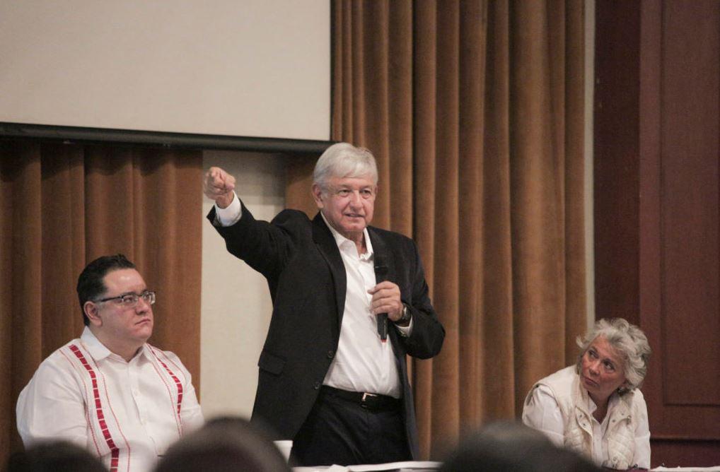AMLO se reúne con futuros delegados estatales y regionales