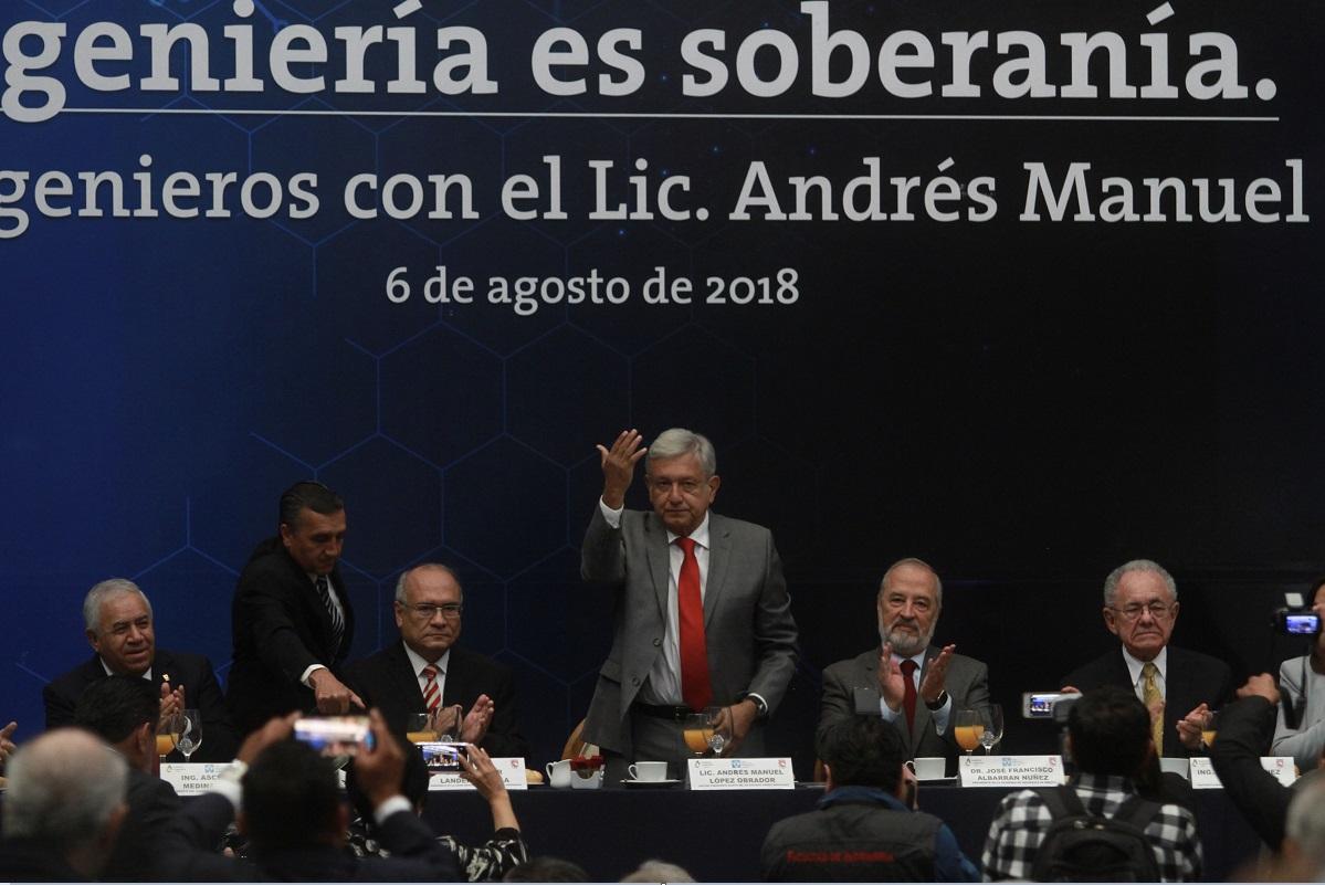 López Obrador asegura que se concluirá el Tren México-Toluca
