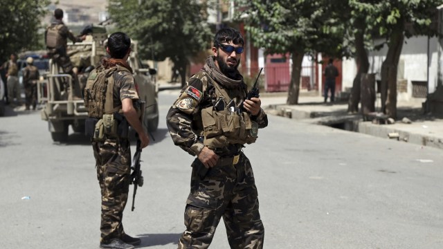 Talibán libera rehenes tras secuestro masivo en Afganistán