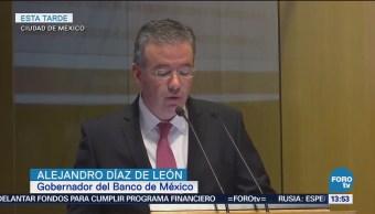 Banxico presenta informe trimestral, economía desacelera