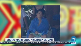 Bruno Mars es fotografiado con unos kilitos de más