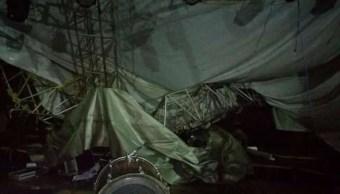 Cae escenario de grupo musical en San Agustín Atenango, Oaxaca
