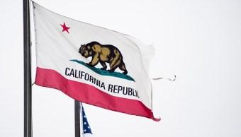California abriría cargos públicos a migrantes ilegales