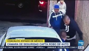 Cámara de seguridad capta robo de auto en Edomex