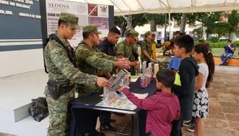 Niños cambian juguetes bélicos por didácticos en Sonora