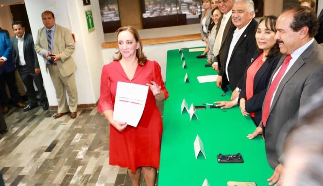 Claudia Ruiz Massieu se registra para buscar la presidencia del PRI