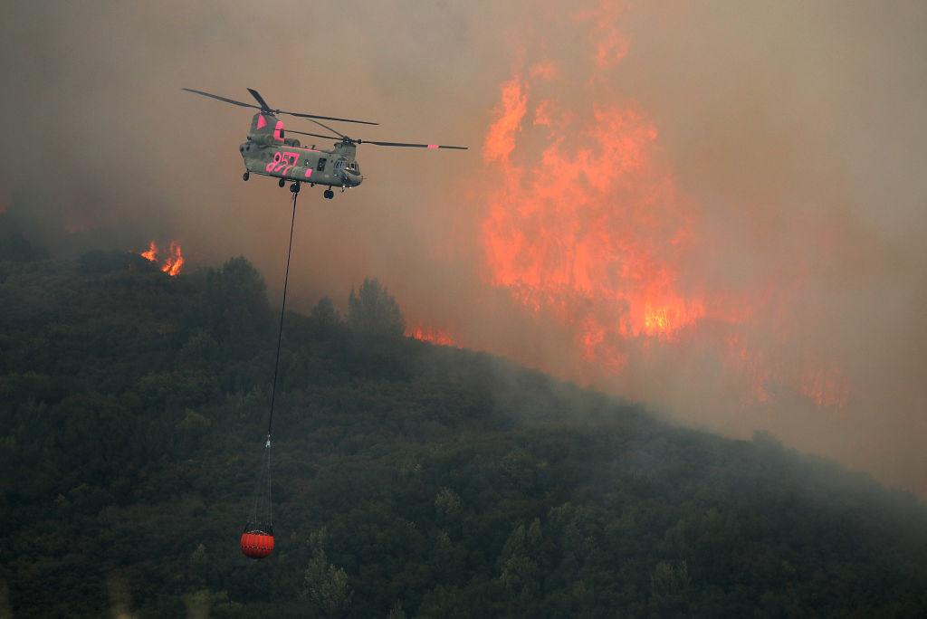 El incendio más grande de la historia de California continúa su avance