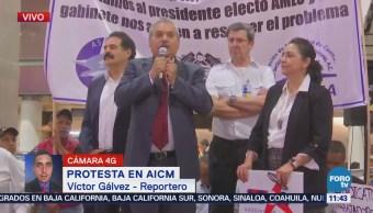 Continúa protesta de extrabajadores de Mexicana en el AICM