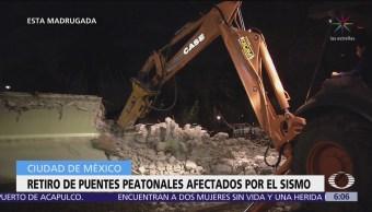 Demuelen puentes peatonales afectados por sismo en Periférico, CDMX