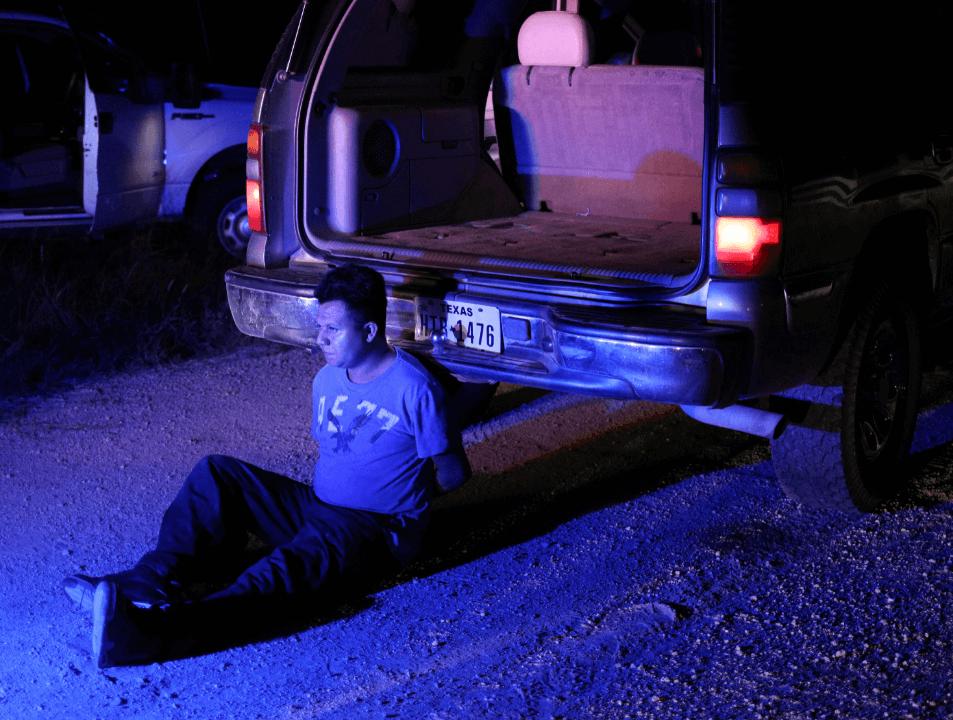 Inmigrantes escondidos en camión en Texas son descubiertos