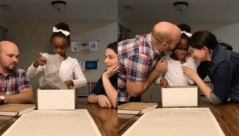 Video emotivo momento niña entera adoptada
