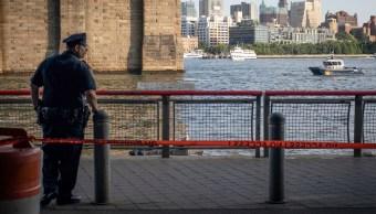 La policía informó de la muerte de un bebé ahogado a orillas del East River en Nueva York, Estados Unidos, en concurrido punto turístico.
