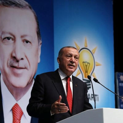 Erdogan amenaza a Estados Unidos por imposición de aranceles