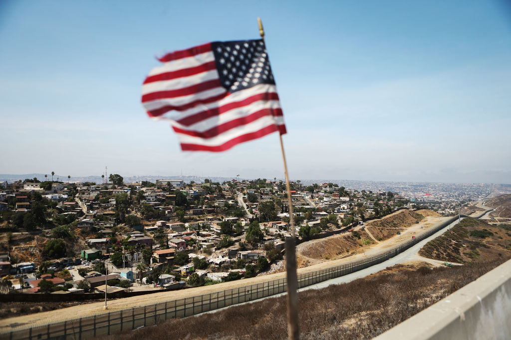 Niegan renovación del pasaporte a hispanos