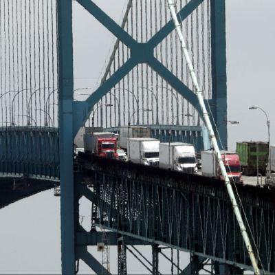EU y México impulsan acuerdo automotriz en TLCAN para incorporar a Canadá