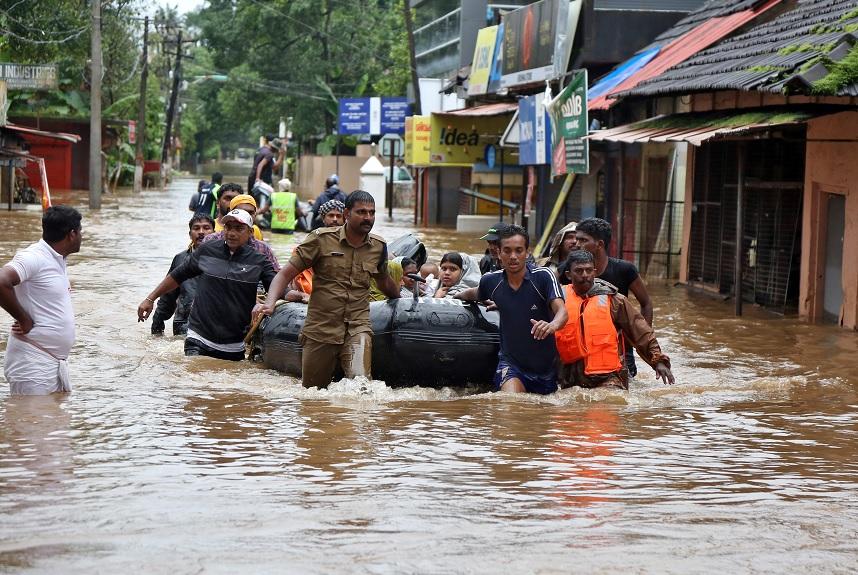 Inundaciones en India dejan 357 muertos y miles de evacuados