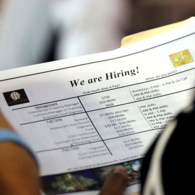 Fed evaluará lento crecimiento de salarios en Estados Unidos durante simposio