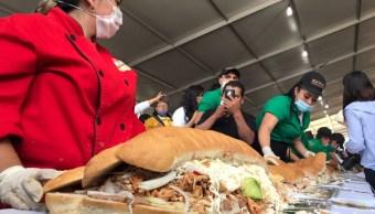 ¡Acá las tortas!, de milanesa, cubana y la más grande del mundo en la feria de Venustiano Carranza