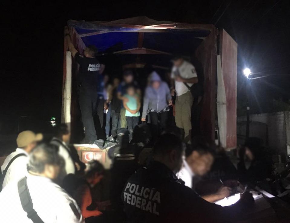 Rescatan en México a 150 migrantes centroamericanos
