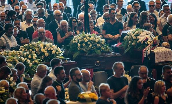 Derrumbe puente en Génova: Realizan funeral a víctimas