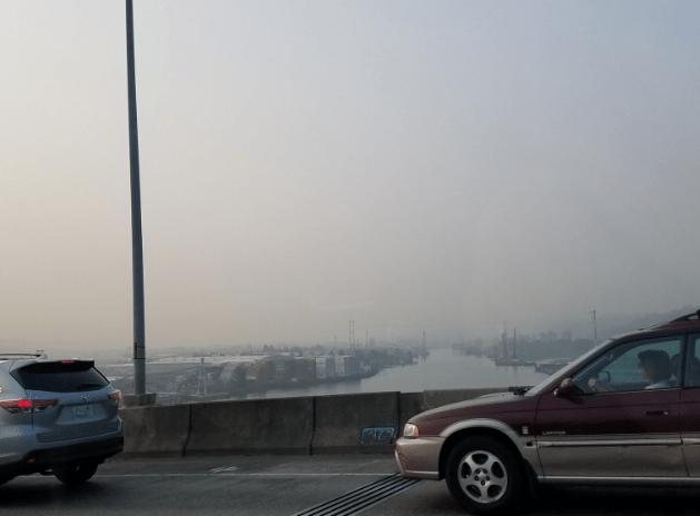 Humo cubre Seattle por incendios forestales en California y Canadá (Twitter)