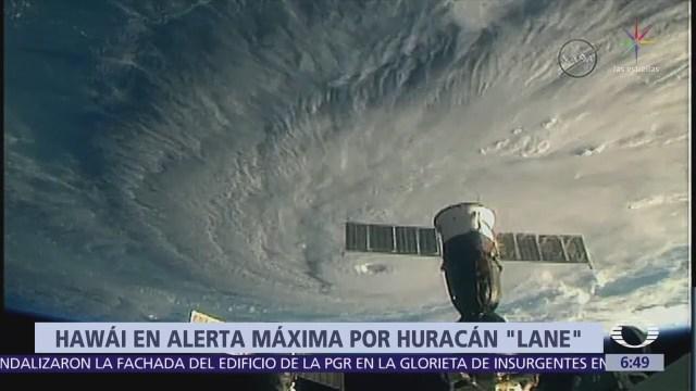 Huracán Lane provoca deslizamientos en isla mayor de Hawai