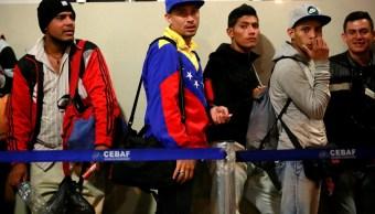Menores venezolanos ingresan solos a Perú para trabajar