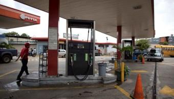 Maduro implementa sistema de cobro de gasolina en fronteras