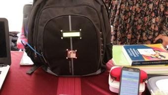 Politécnicos diseñan mochila para olvidadizos