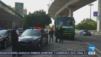 Muere una mujer por infarto dentro de camión de pasajeros en Periférico