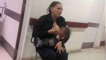 Policía amamanta bebé hospitalizado vuelve viral