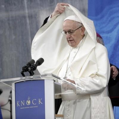 Papa se despide de Irlanda con un 'mea culpa' por abusos de sacerdotes