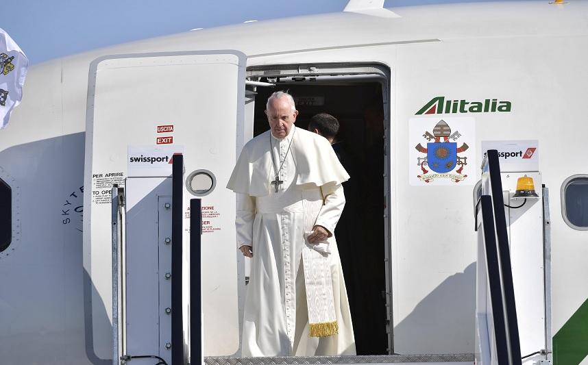 Reportero italiano admite ayudó a redactar denuncia a papa